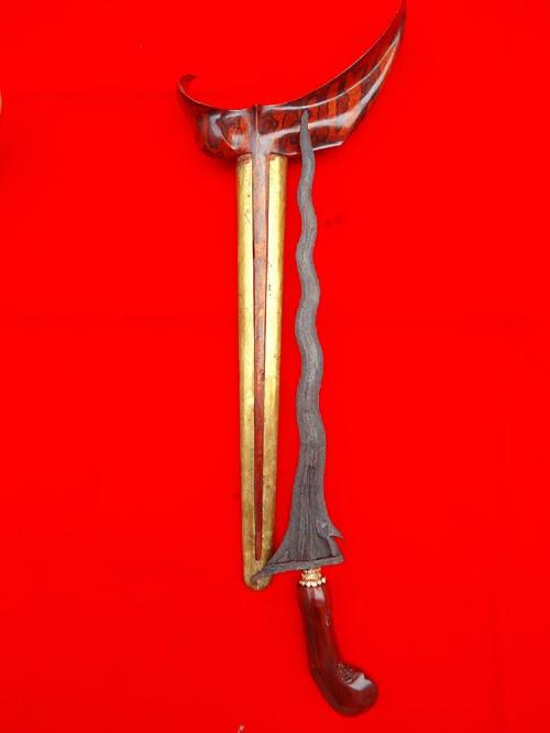 Keris kuno, keris wingit, keris pusaka, kerajaan keris, carito keprabon, luk 11