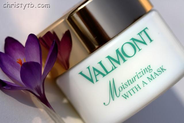 Увлажнение кожи I: Увлажняющая маска Valmont Moisturizing with a mask