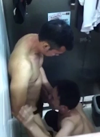 [911] Blowjob in toilet