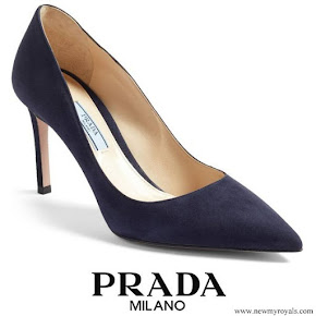 Kate Middleton wore Prada Pointy Toe Navy Suede Pumps