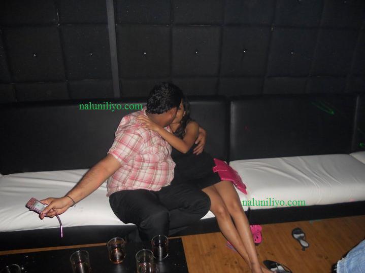 Menaka Maduwanthi kiss kissing boyfriend hot iphone selfie