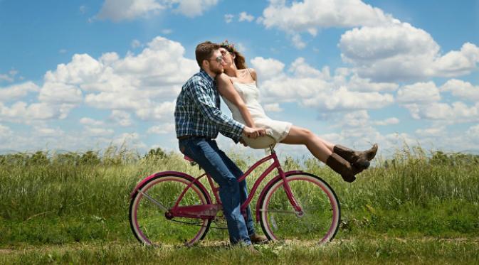 Sering Tampil Mesra Berdua Bukan Jaminan Perkawinan Bahagia