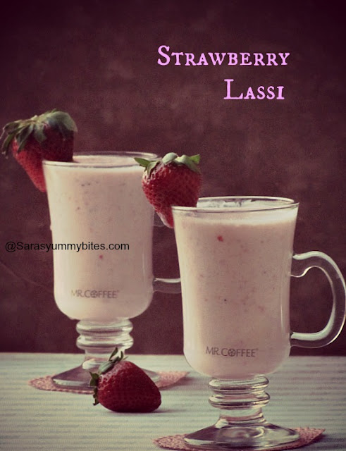 Strawberry Lassi / Strawberry yogurt smoothies