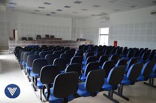 http://vnoticia.com.br/noticia/2459-camara-municipal-de-sao-francisco-de-itabapoana-inaugura-nova-sede-nesta-terca-27