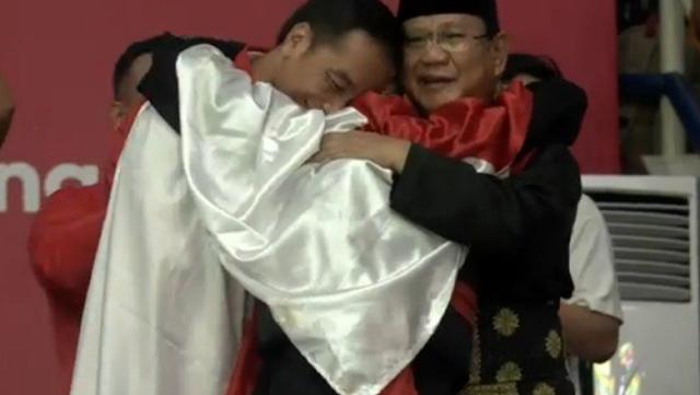 Jokowi-Prabowo Pelukan Ternyata Sudah Dimimpikan Dubes RI Sehari Sebelumnya