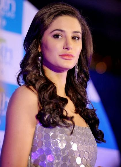 Nargis Fakri sexy Wallpaper, Nargis Fakri sexy photos, Nargis Fakri sexy images, Nargis Fakri sexy pictures
