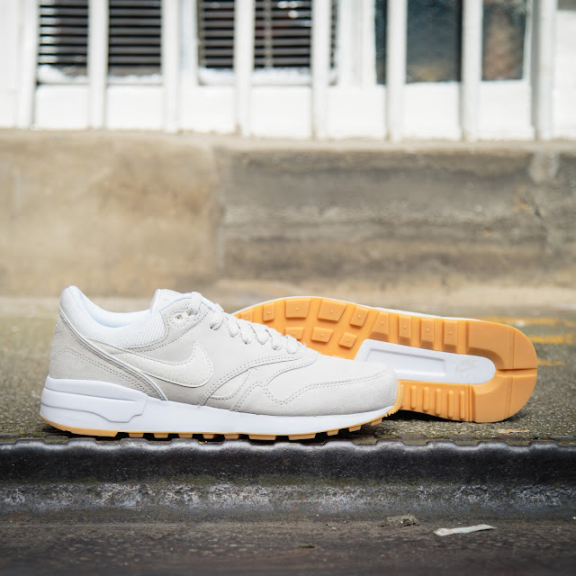 176ab521a998 Rounding off the look is white Swoosh branding along the side and a crisp  white midsole. Shop in store and online at Fat Buddha Store.