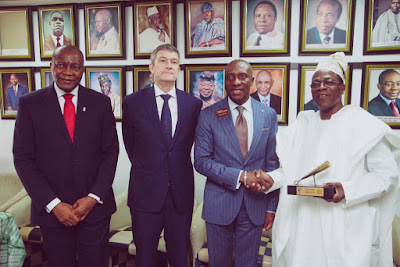 Photo: Nigerian Breweries visits Nigerian Stock Exchange for Closing Gong ceremony