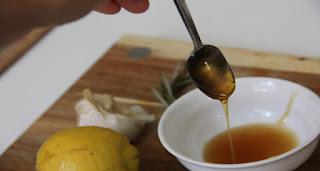العسل لتجديد شباب بشرتك