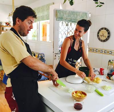 cocinando el relleno de las famosas