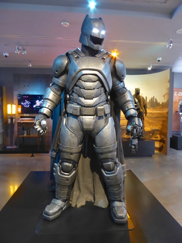 Armoured Mech Batsuit Batman v Superman