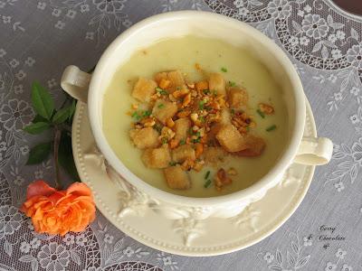 Crema de calabacín con puerro y manzana