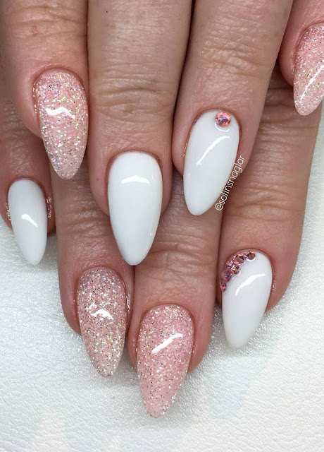 """Snow White"", frosted Pink, rosa glitter och stenar"