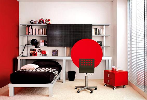 Desain sederhana kamar tidur anak laki-laki dengan dekorasi warna merah dan hitam.