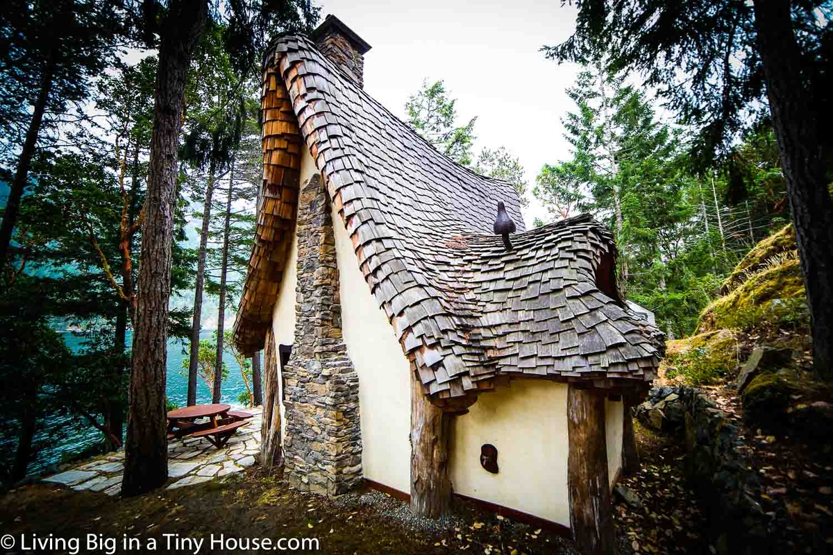 11-Side-View-of-the-House-Lindcroft-Custom-Dwellings-The-Winckler-Fairy-Tale-Fantasy-Architecture-www-designstack-co