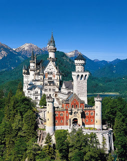 Color image, full view of Neuschwanstein castle.