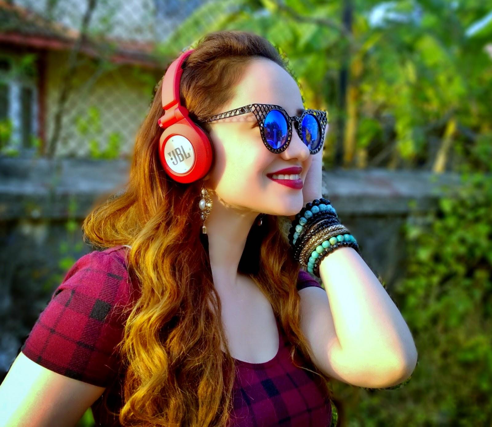 Forever 21 Tartan Plaid Crop Top,JBL Synchros Headphones