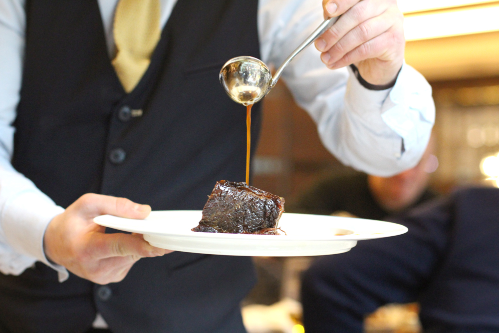 Beef for Saturday brunch at the Devonshire Club - London restaurant blog