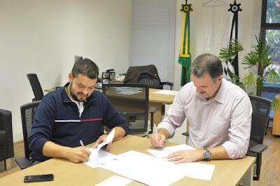 Secretário estadual de Turismo e prefeito de Cananeia conversam sobre a realização de investimentos estaduais na cidade