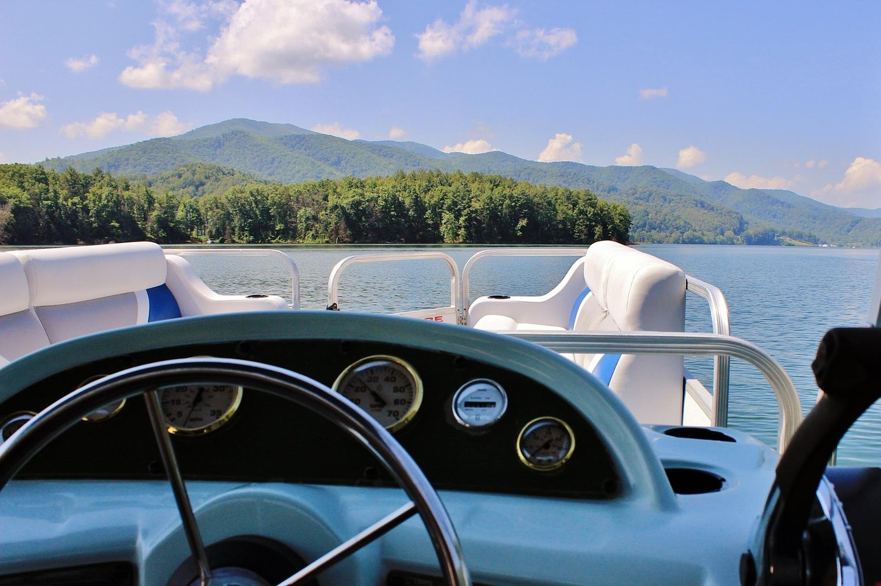 A Step-by-Step Guide To Choose the Best Party Boat Rental