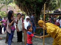 Libur Imlek, 'Shaolin' GL Zoo Bagi-bagi Angpao