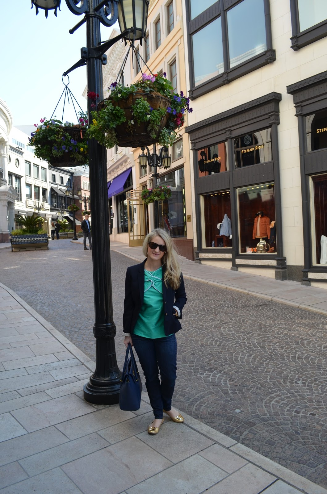 Tickled Pink Shopping On Rodeo Drive