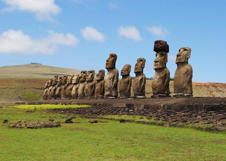 Misteri Patung Raksasa Moai dan Hilangnya Peradaban Rapa Nui