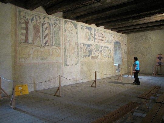 Polichromia z XIV wieku na trzeciej kondygnacji Wieży Książęcej.