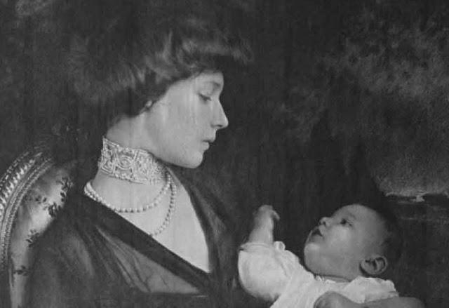 Madaleine Astor e filho