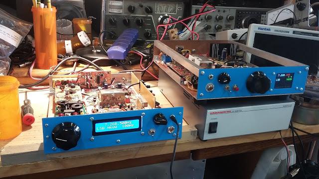 40M Junk Box SSB Xcvr in a  Blue Case 26
