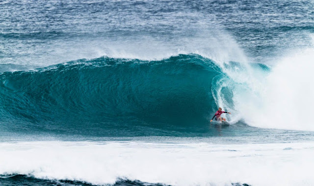 63 Vans World Cup of Sufing 2014 Adrian Buchan Foto ASP
