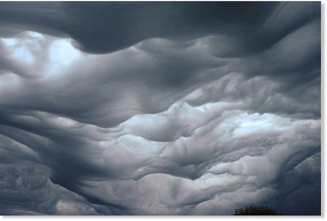 20-incredibly-shocking-cloud-formations-across-the-world-19.jpg