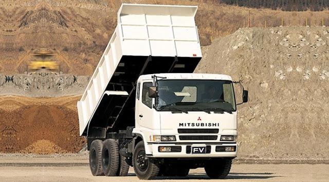 dump truk tronton mitsubishi fuso putih