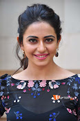 Rakul at Sarrainodu Promotion-thumbnail-14