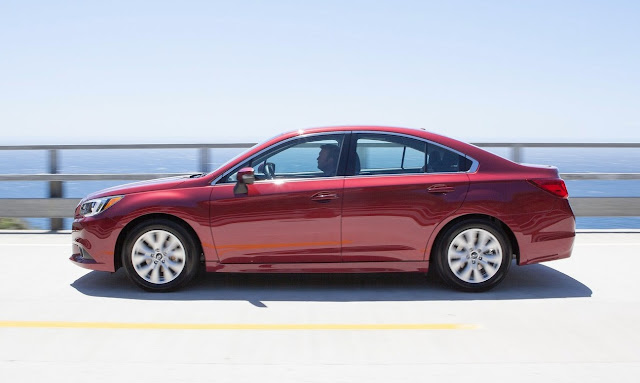 2015 Subaru Legacy red