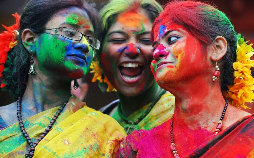 Women's playing holi in india