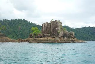 gugusan pulau-pulau kecil di padang