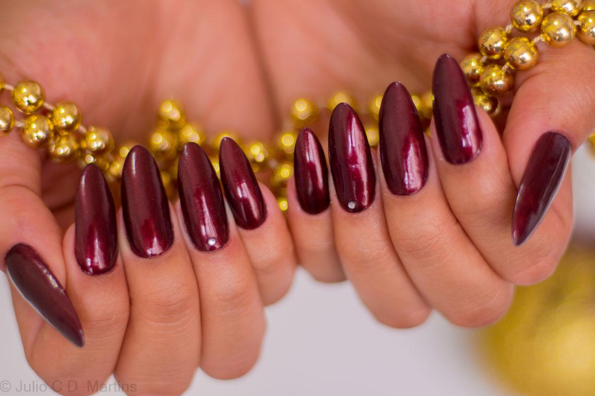 Inspiração de unhas vermelhas para o Natal com Classy Studio