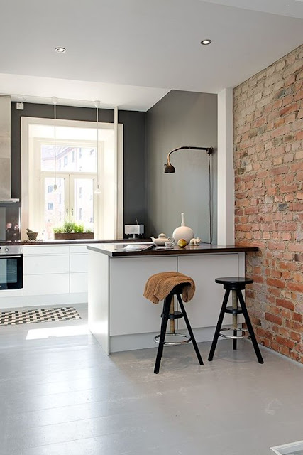 Kitchen With Bar 7