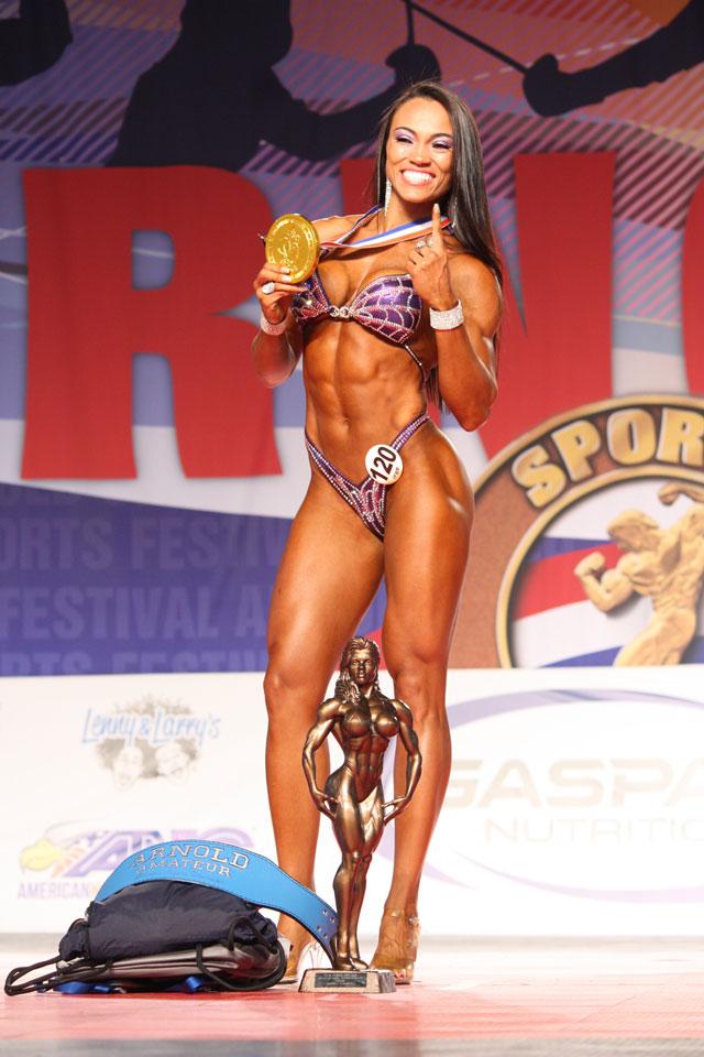 Michele Silva conquistou título de Campeã Overall Figure do Arnold Amateur 2016. Foto: Divulgação
