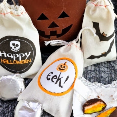 Super Easy DIY Halloween Fabric Treat Bags