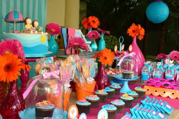 Elaine Monteiro: Pool Party
