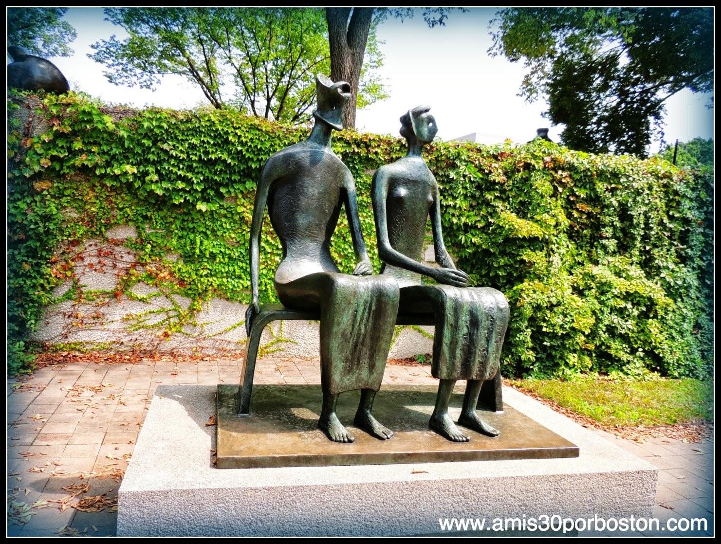 Rey y Reina by Henry Moore