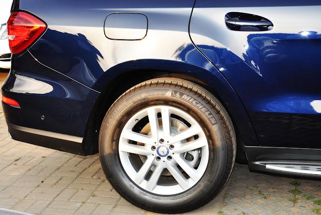 Mercedes GLS 350 d 4MATIC trang bị hệ thống treo khí nén thích ứng AIRMATIC