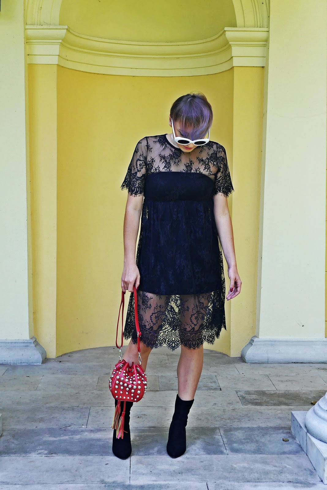 1_rosegal_lace_dress_red_bag_studs_socks_shoes_boots_white_retro_sunglass_karyn_blog_1309174