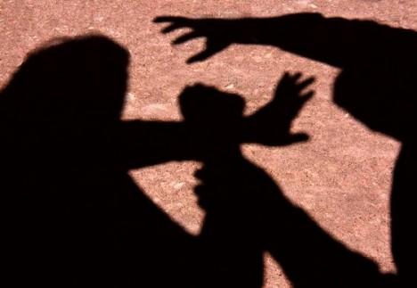 Jovem é sequestrada e estuprada após ter casa invadida por elementos