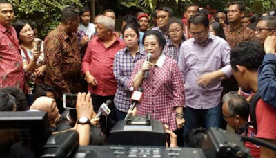 Tak Sanggup Lihat Kenyataan, Ditanya Hasil Ahok-Djarot, Megawati 'SEMPROT' Reporter TV