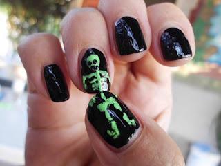 manicura esqueleto verde