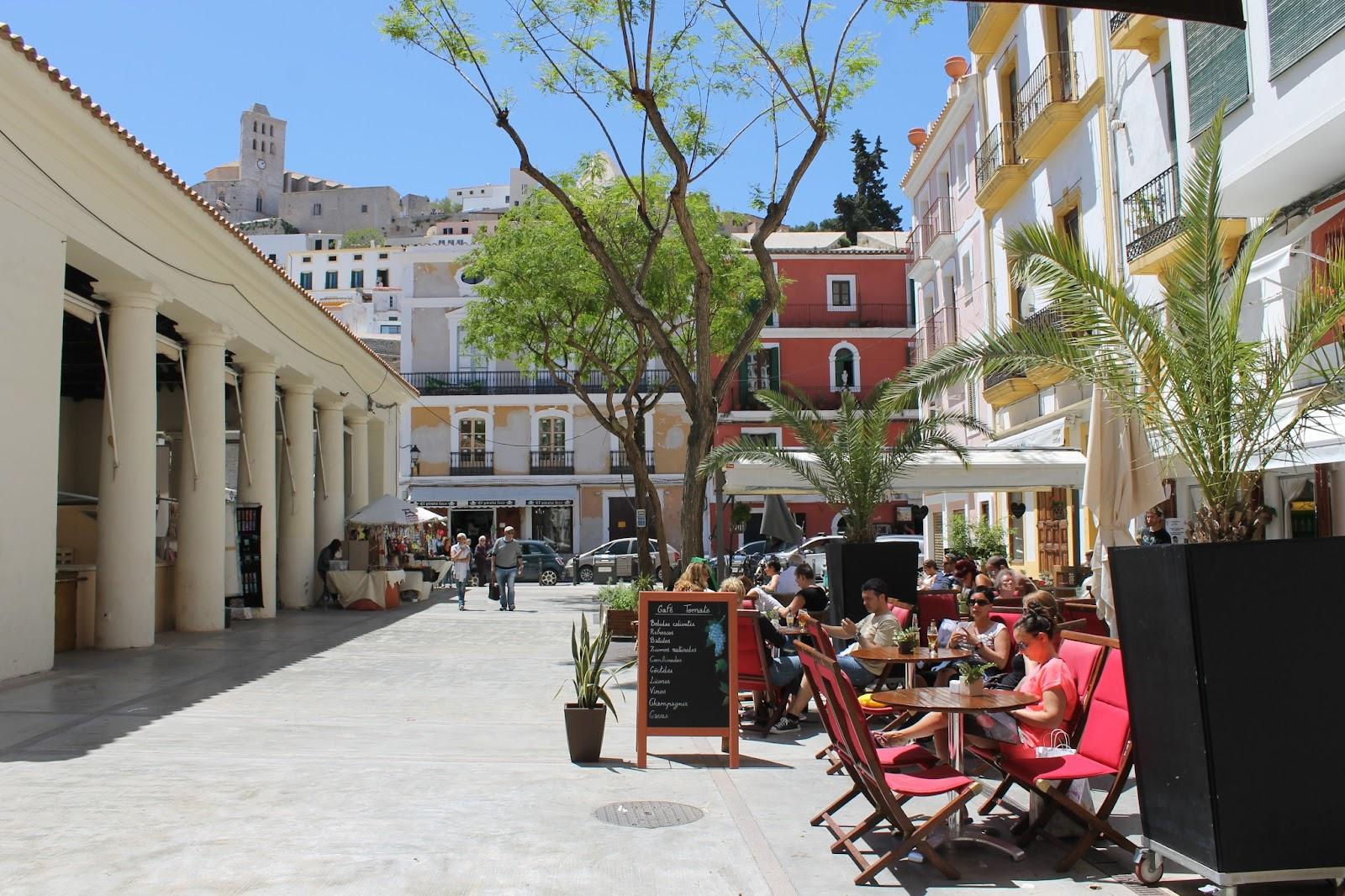 Mercat Vell - Plaza de la Constitución