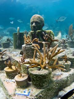 Esculturas Submarinas , la jardinera de la esperanza